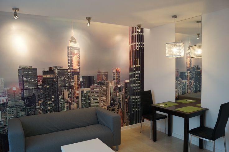 moderner Salon mit Fototapete big city