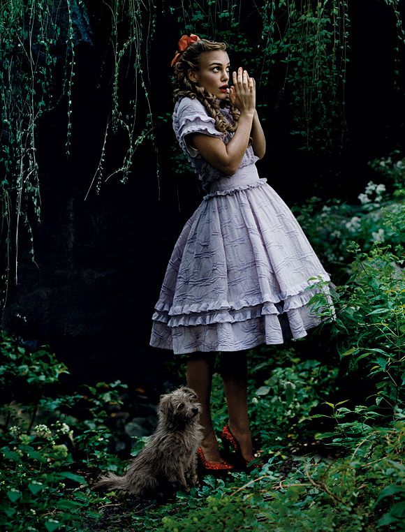 Keira Knightley - Vogue by Annie Leibovitz, December 2005 I love annie lebovitz's work, it's so expressive