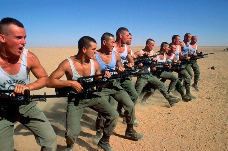 Legionnaires of the 4eme Escadron de 1er REC FFL while Operation Daguet at Iraque