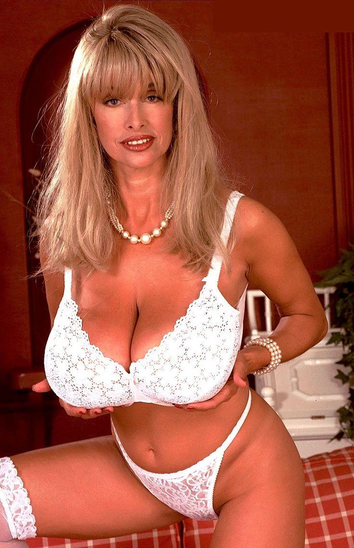 joyce sarah nude tits