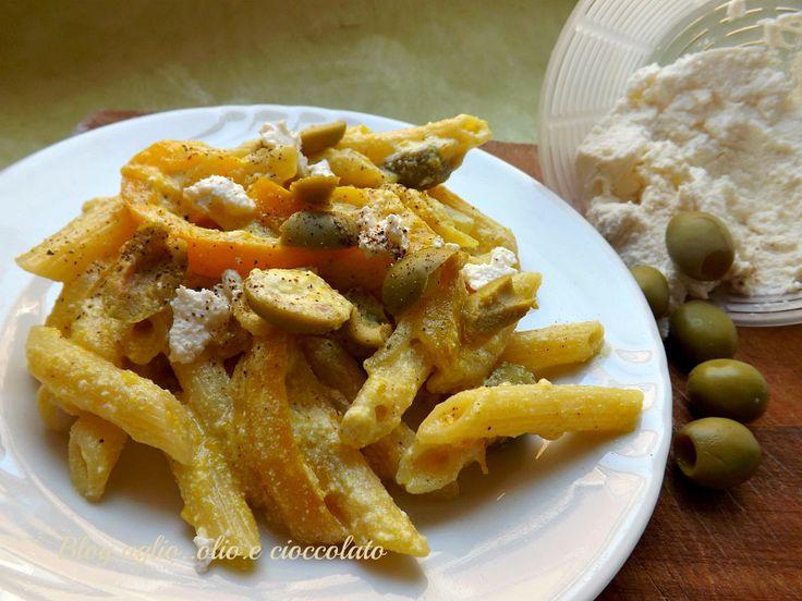 Pasta Peperoni Ricotta e Olive http://blog.giallozafferano.it/rocococo/pasta-peperoni-ricotta-e-olive/