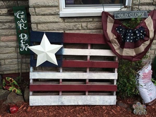 This is a lovely wood pallet yard art design of making an American flag from wood made pallets. You can place a shining white star on it of any material on this wood pallet yard art. You will only need a couple of recycled wood pallets.