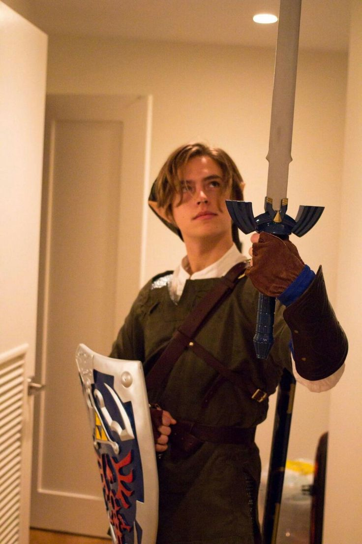 Cole Sprouse is Link (click it, the link (heh) takes you to more awesome pictures)