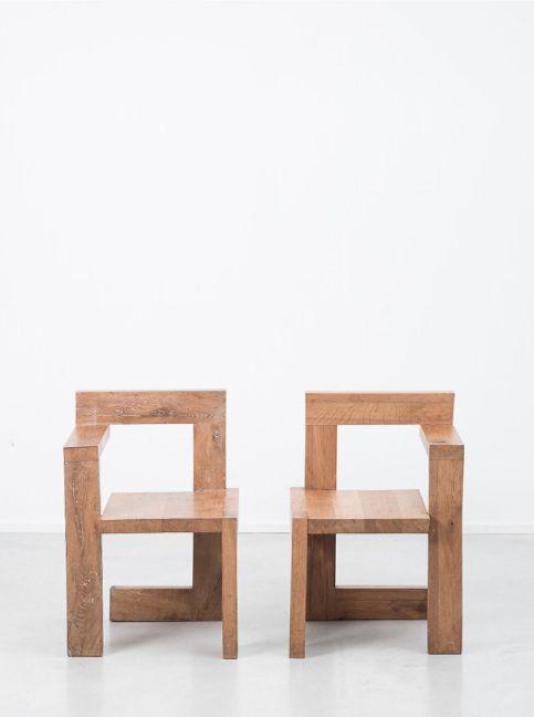 © Gerrit Rietveld. Wooden Steltman chairs. Netherlands, 1963. Sold by Beton Brut.