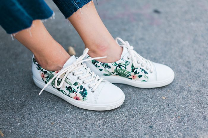 Sneakers outfit spring