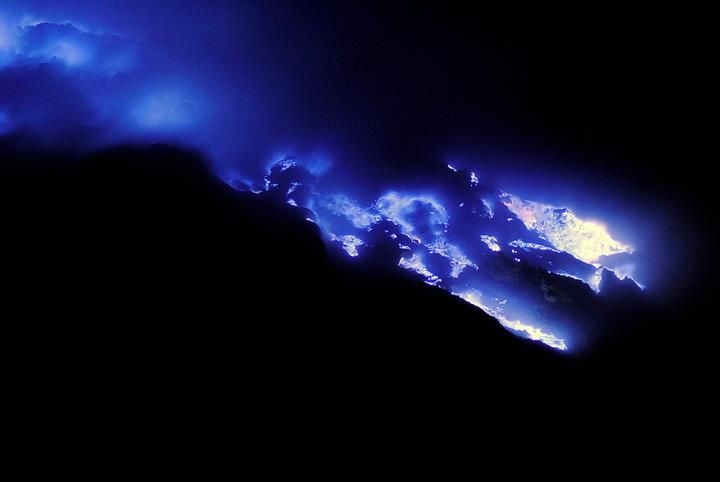 Best moment to visit ijen for blue flame 01.00 Am,  Ijen Plateau is Indonesia's most famous crater and lies in East Java, 2,638 meters tall, topped with a large caldera with the world's largest lake of highly acid