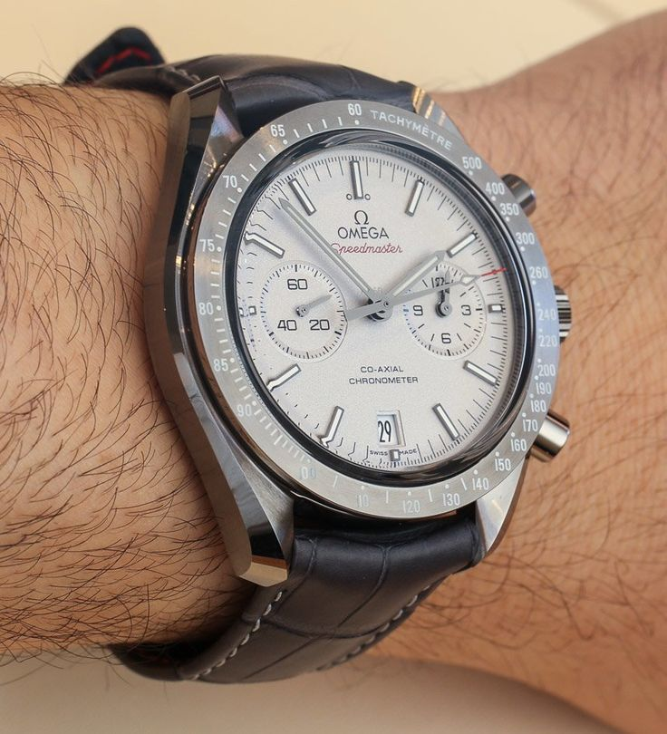 Omega Speedmaster Grey Side Of The Moon Co-Axial Chronometer Ceramic Watch Hands-On