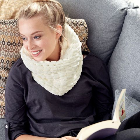 How To Make A Bernat Alize Blanket Ez Cowl Scarf Cowl