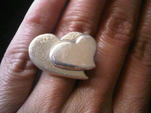anillo corazones en plata