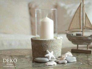 Coole Sommer-Vasen oder Windlichter mit Glas und Beton kann man einfach selber machen! Das Tutorial gibt's auf www.deko-kitchen.de