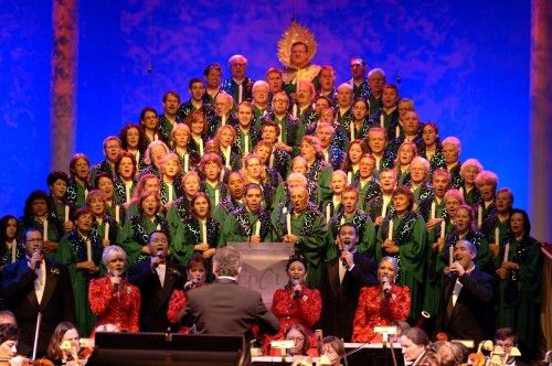 #DisneyWorld Candlelight Processional Dining Package information and booking date!! (Including a preliminary list of narrators)