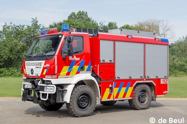 Unimog U 20 als Tanklöschfahrzeug | Feuerwehr-Magazin