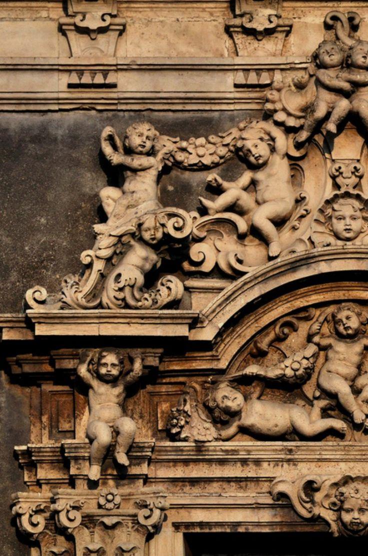 Catania - Palazzo Biscari, Catania, Sicily, Italy Iggi Falcon #catania #sicilia…