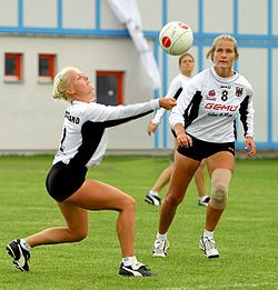 Fistball - Wikipedia, the free encyclopedia