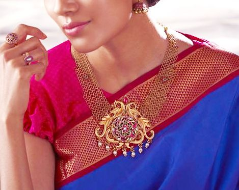 Gold Antique Jewellery Collections