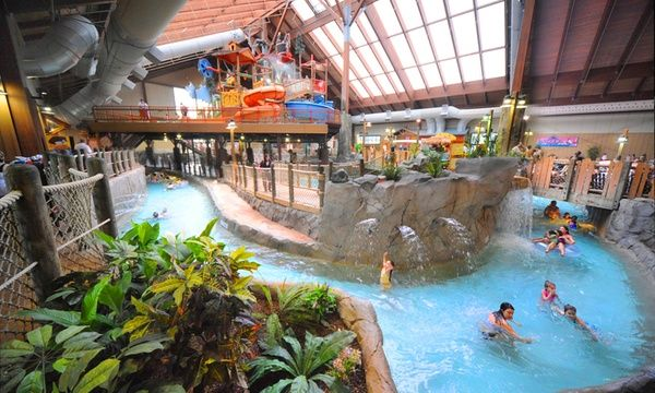 Six Flags Great Escape Lodge Indoor Waterpark Queensbury New York A Fantastic Destination For Those Who Lo Indoor Waterpark Places In America Indoor Places