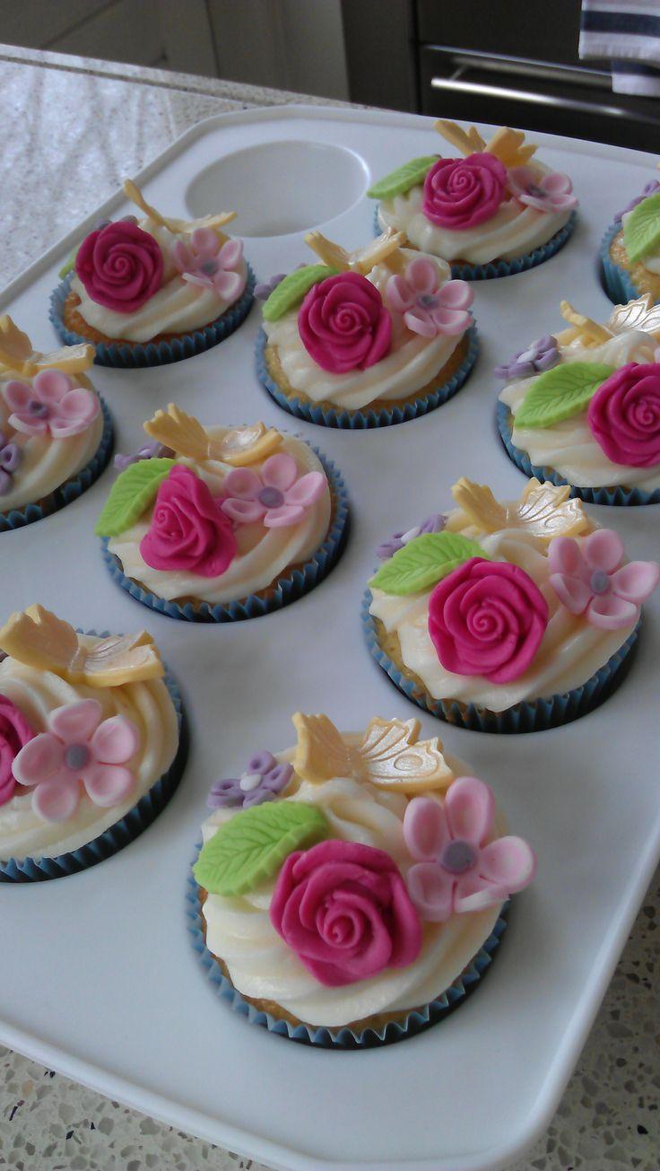 Vanille cupcakes met roomkaasglazuur