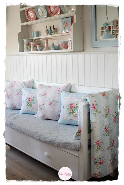 Shabbilicious Sunday takes us on a tour of Susi Rydahl's gorgeous Denmark home. Filled with her pretty GreenGate pastel mix and match style. If you love shabby or cottage style decorating you'll love this tour. Click to visit Shabby Art Boutique now or PIN for later.