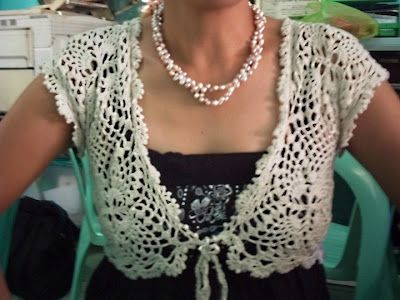 Free Crochet Pattern: Elegant Bolero - This is awesome, but I doubt I'd be able to learn how to do it.
