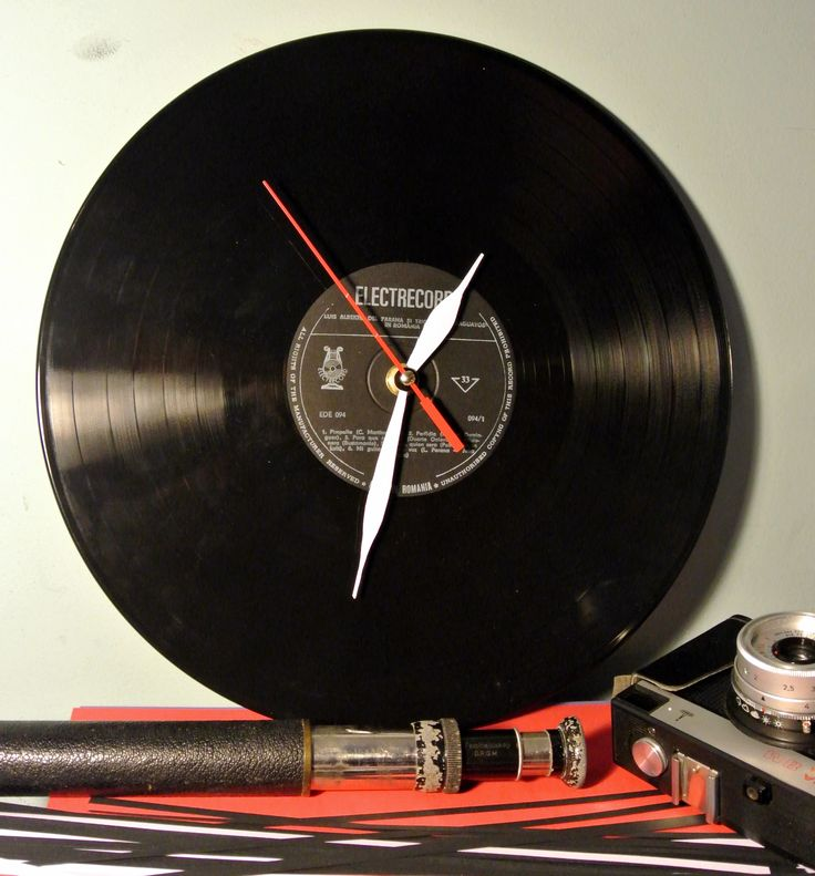 How to make a vinyl clock (full tutorial on our website)