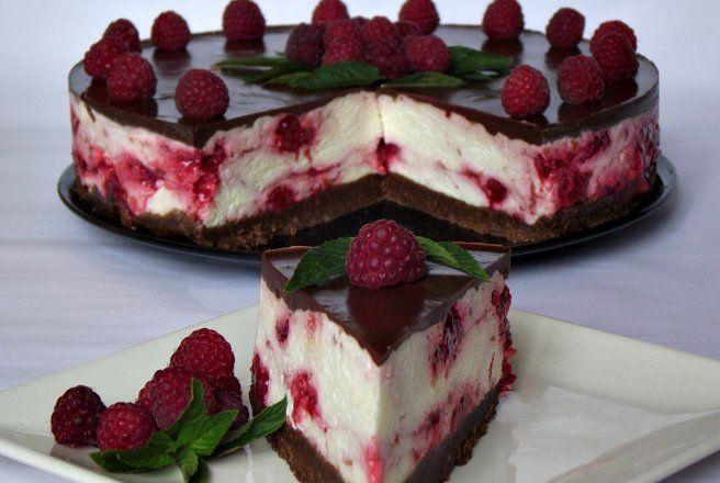 Desert cheesecake rece cu ciocolata si zmeura