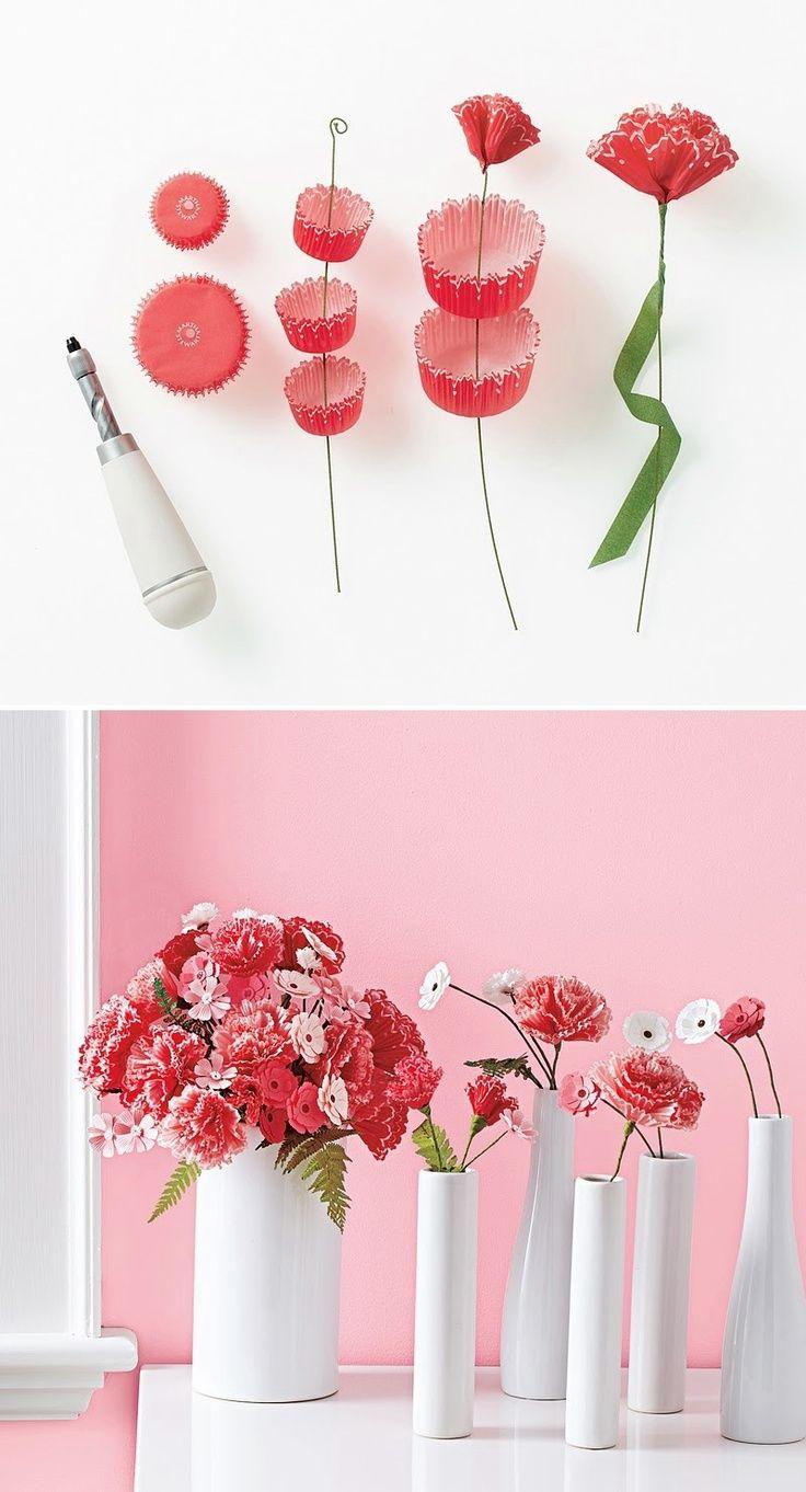 Flores de revestimiento de la magdalena. / Cupcake liner flowers. #recycledesign