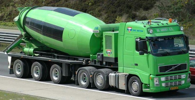 Volvo FH. Articulated cement mixer truck