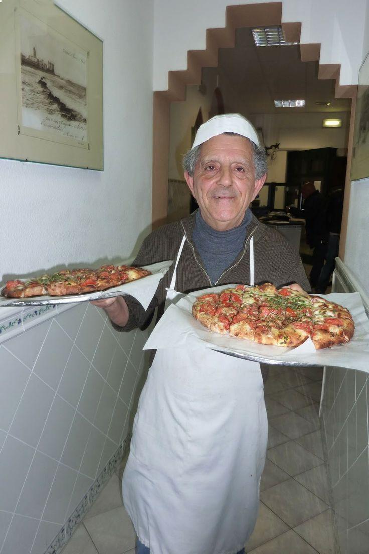 #Sicily #food the best #pizza in #Trapani www.bebtrapanigranveliero.it