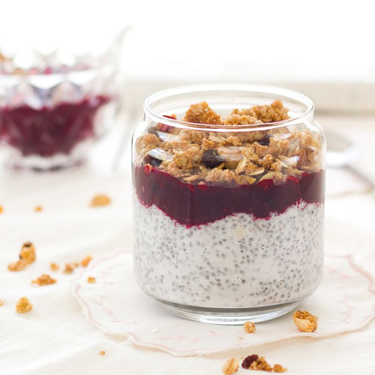 The Kiwi Cook | Coconut Chia Pudding with Blackberry Compote | http://thekiwicook.com