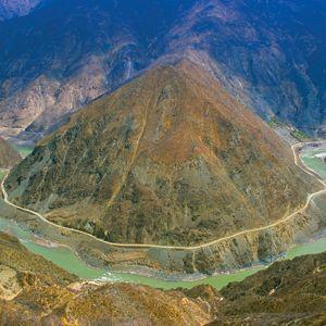 Cruise across the Yangtze River with Avalon Waterways! #AvalonWaterways #RiverCruising