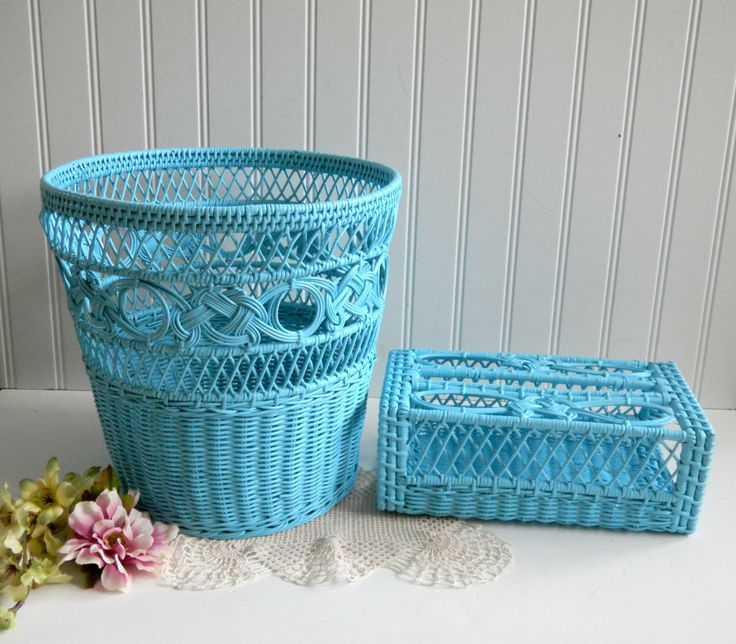 Wicker Basket Kleenex Holder Set / Up Cycle Painted / Shabby Chic / Tiffany Blue Aqua /Painted Wicker / Bath Bed Sunroom / Home Decor - mamiezvintage