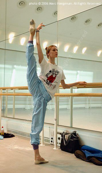 Svetlana Zakharova, Bolshoi Ballet, Strenght and flexibility build up by hour and hours of work, a strong will and the power to resist. Brava! I really admire her, not only for her physical abillities, but also for her mental strenght.