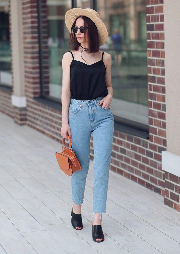 Sonya Karamazova, fashion blogger, cami top, camisol, mom jeans, straw hat, canotier, street style, summer outfits, summer outfits ideas,vacaton vibes, летние образы, идеи летних образов, камисоль, бельевой тренд, джинсы с завышенной талией, шляпа канотье, соломенная шляпа, что носить летом