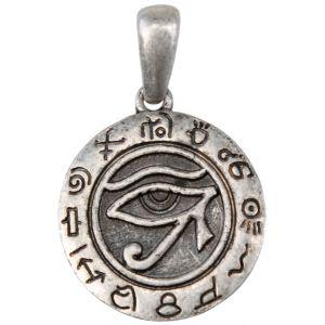 Pendentif Oeil d'Horus rond ou oeil Oudjat (signifiant l'oeil préservé) représente le dieu à tête de faucon issu de l'Egypte antique. Mais ce symbole a aussi une signification mathématique puisque les parties constituantes de l'Oudjat servaient à écrire les fractions ayant 64 comme dénominateur commun. Il est porté pour avoir santé, force et protection.
