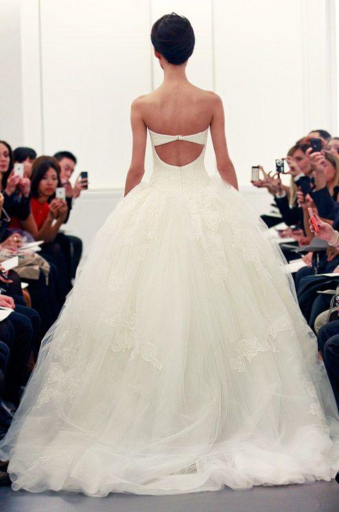 Dan & Corina Lecca,Vera Wang, Fall 2013--the back of the dress