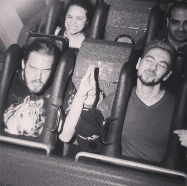 Felix (pewdiepie) and Sean (jacksepticeye)......Pews face XD I just can't....