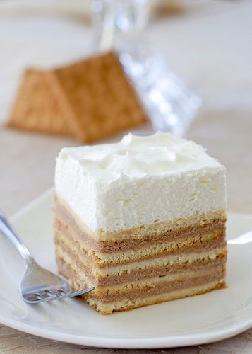 No Bake - Graham Cracker cake - recipe    (looks fancy!)