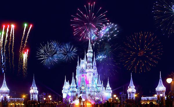 Pin By Mark Andrew Thomas On Everything Disney Disney World Fireworks Disney World Resorts New Years Eve Fireworks