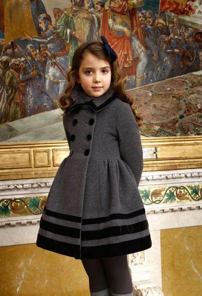 #QuisQuis #vestido #niña #estilo #elegante #dress #girl #style #elegant #robe #fille #élégant #mode #fashion #Little #fashionista #kids #Street #style #cool #look #formal #wear