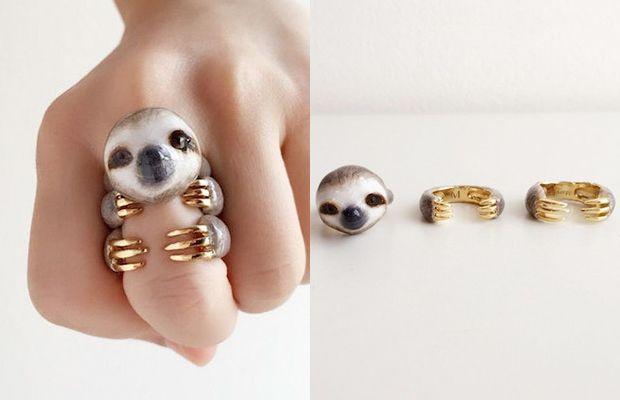 A marca tailandesa Mary Lou desenvolve joias singulares. As peças que mais chamam a atenção são os trio de anéis: usados em conjunto, formam lindos animais.