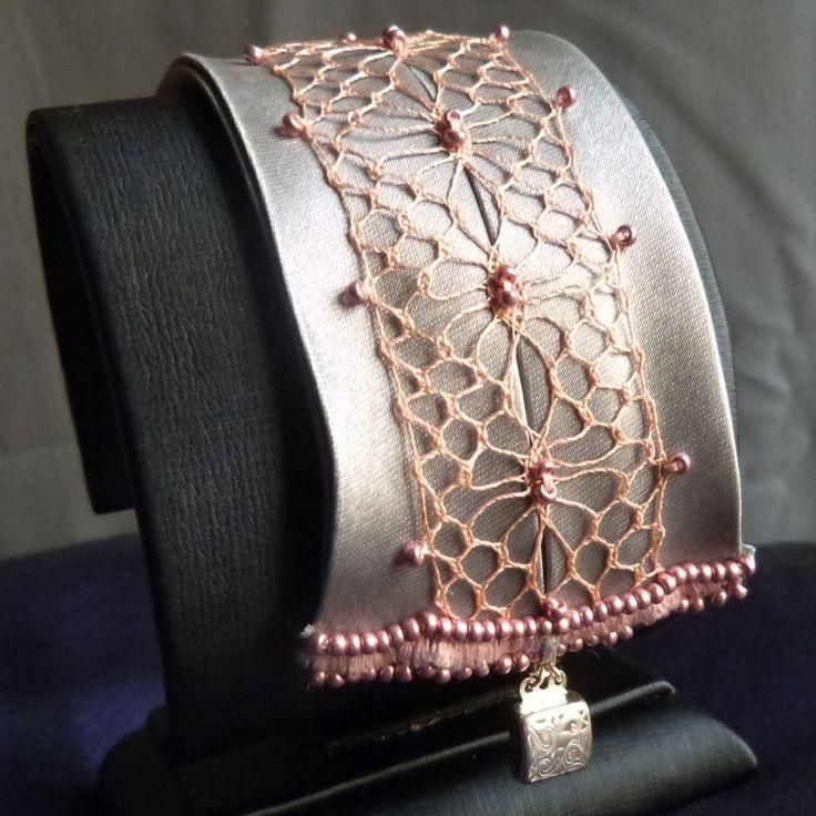 bracelet cr ation bijou textile enti rement fait main. Black Bedroom Furniture Sets. Home Design Ideas