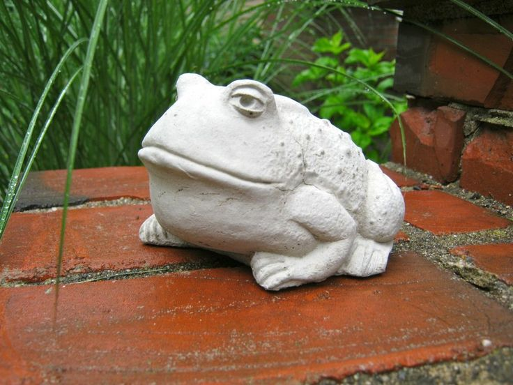 garden toad large concrete garden statue cute cement toad frog garden decor - Concrete Garden Decor