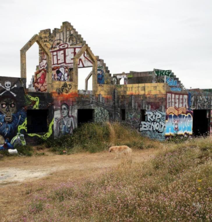 Este resort abandonado en Francia pasó de ser un lugar de lujo al paraíso de los graffiti