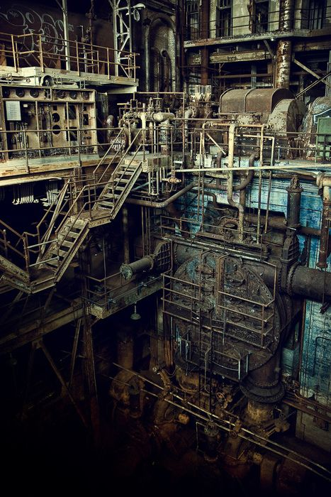 Abandoned power plant in New Orleans, LA - Would LOVE to wonder through this place! I need to take up Urban Exploring!