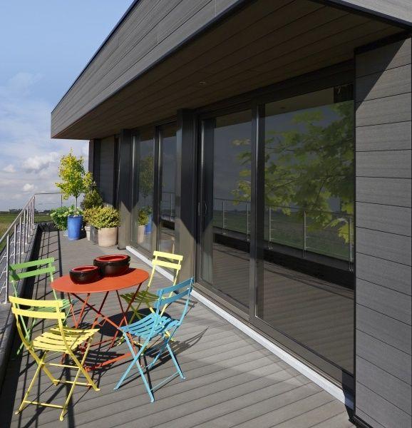 Les panneaux de façade existent en différentes formes, matériaux et dimensions. Photo: www.deceuninck.be (terrasse de toit • pvc)
