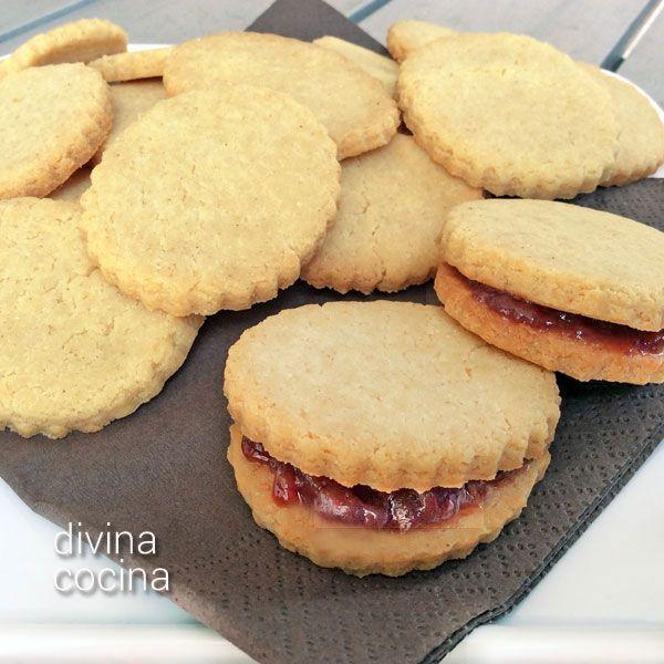 Esta receta de galletas de leche condensada es muy sencilla y rapidísima de preparar. Las galletas resultan deliciosas, con mucho sabor y el punto justo de azúcar.