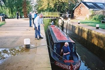 Canal Guide - Chelmer & Blackwater Canal: Canal Boat Hire, Canal Boat Holiday, Heybridge Basin, Maldon, Colchester