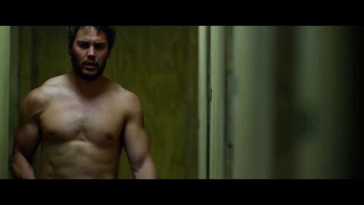 Lone Survivor - Taylor Kitsch Yes yes I totally just pinned this scene from the movie. One of my favorite movies.