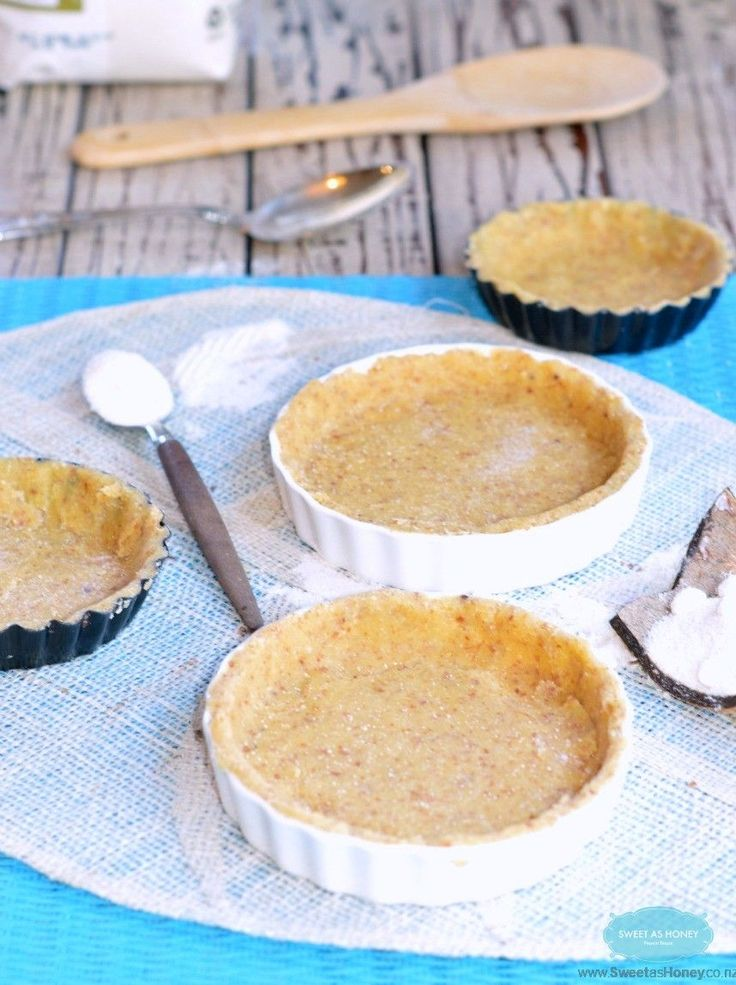 Almond Flour Pie Crust is a wheat free pie crust, paleo, gluten free, low carb. A crispy easy crust made with almond meal and coconut flour in a minute!