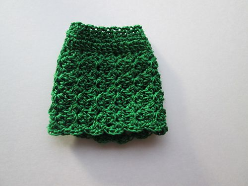A skirt pattern for Barbie or other similar sized fashion dolls.